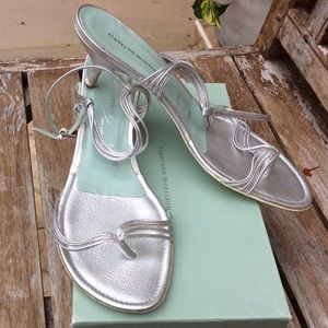 SIGERSON MORRISON SILVER STRAPPY THONG SANDALS 11
